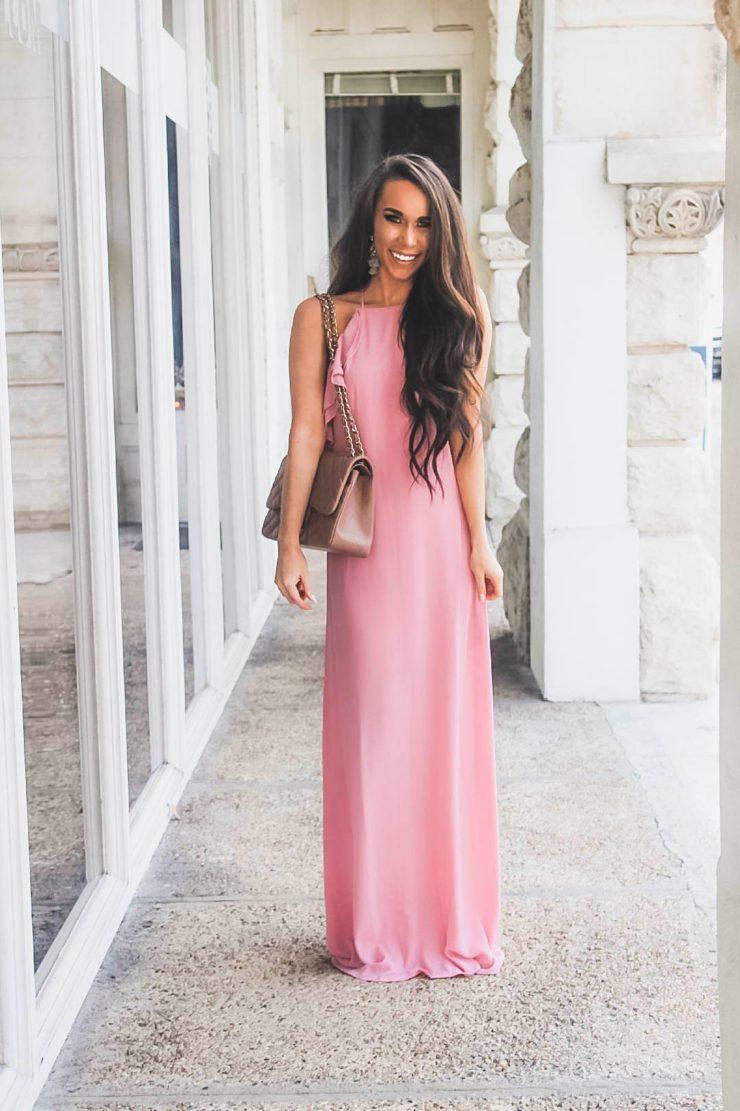 1613158075 633 32 inspiraciones de vestidos de oro rosa llenas de elegancia - 32 Inspiradores vestidos rosas llenos de elegancia y estilo