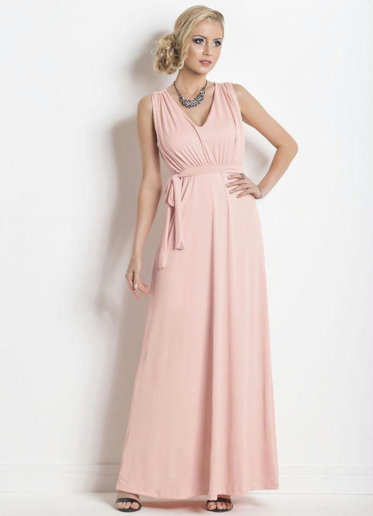 1613158077 792 32 inspiraciones de vestidos de oro rosa llenas de elegancia - 32 Inspiradores vestidos rosas llenos de elegancia y estilo