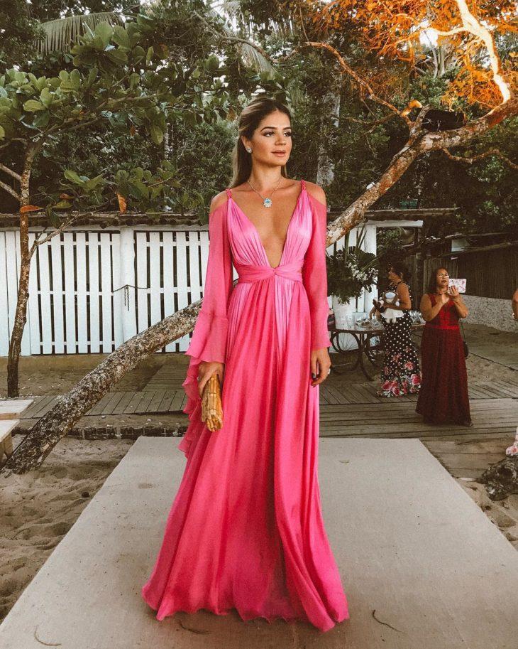 1613158078 59 32 inspiraciones de vestidos de oro rosa llenas de elegancia - 32 Inspiradores vestidos rosas llenos de elegancia y estilo