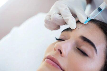 Lee más sobre el artículo Aplicación de Botox, ¿cómo funciona?  Mitos y verdades sobre el procedimiento.