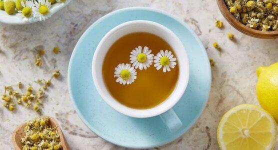 Lee más sobre el artículo Beneficios del té de manzanilla para la salud y el bienestar