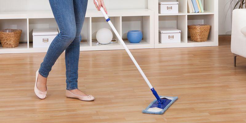 En este momento estás viendo ¿Cómo limpiar correctamente los suelos laminados?  Cuidados y consejos