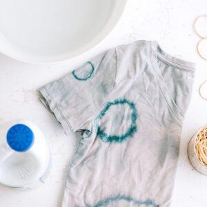Lee más sobre el artículo Cómo quitar las manchas de lejía: consejos eficaces para la ropa