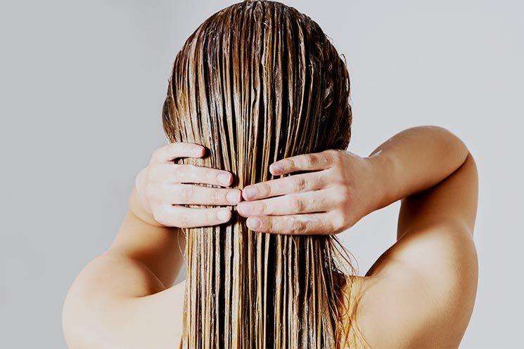 En este momento estás viendo Acondicionador – Beneficios y como aplicar el producto en el cabello.