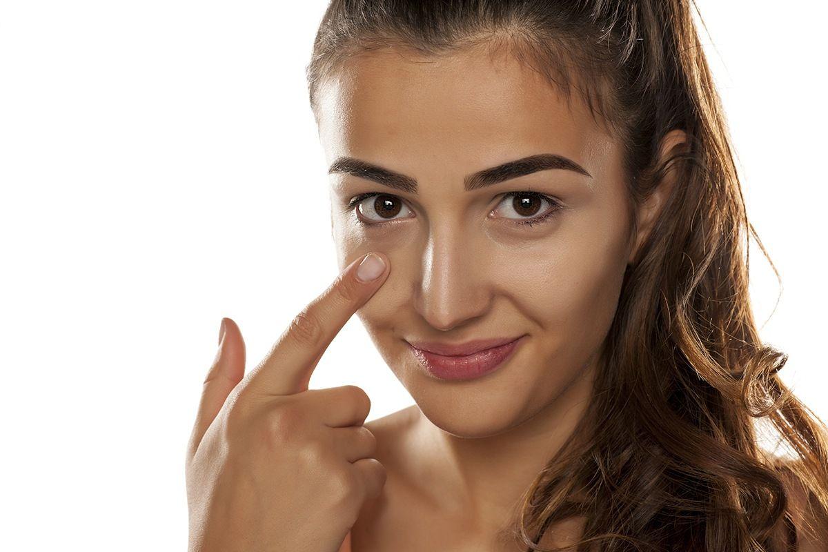 En este momento estás viendo Relleno de ojeras – Rutina de cuidados + tendencias de tratamiento