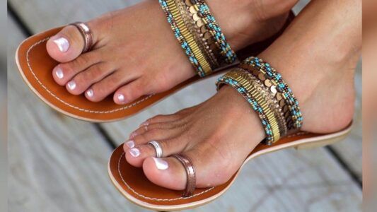 Lee más sobre el artículo Zapatos planos – Cómo usar + inspiraciones de looks para arrasar