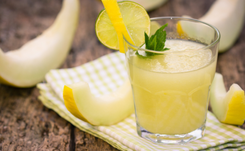 Lee más sobre el artículo 5 beneficios y recetas para deleitarse con el jugo de piña