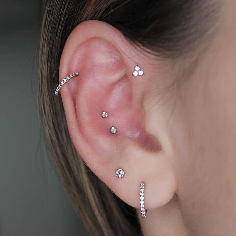 1614906207 987 15 inspiraciones de perforacion de labret y consejos para perforar - 30 fotos de piercing en orejas para querer el tuyo hoy
