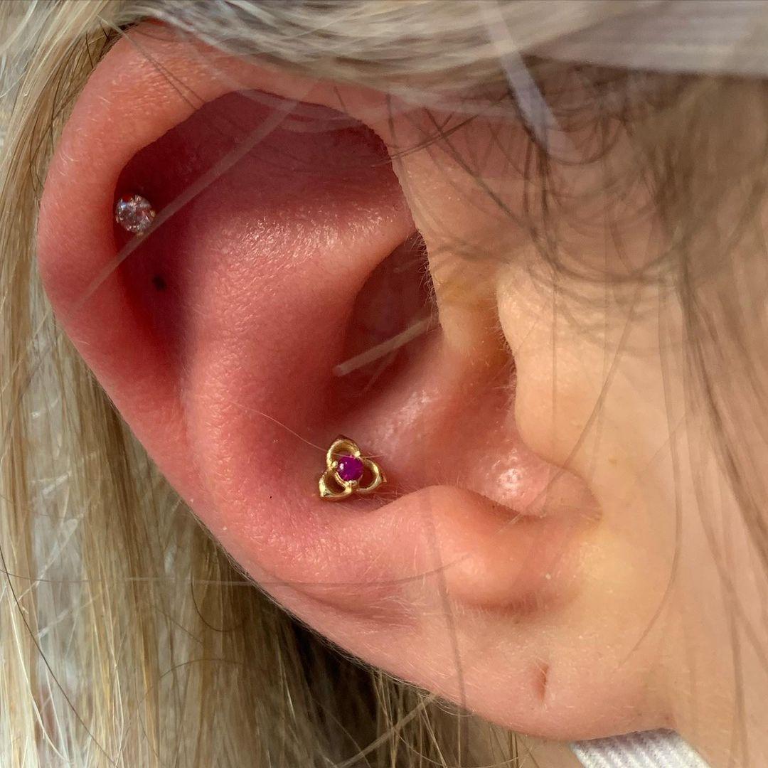 1614906208 678 15 inspiraciones de perforacion de labret y consejos para perforar - 30 fotos de piercing en orejas para querer el tuyo hoy