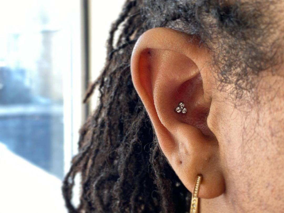 1614906209 876 15 inspiraciones de perforacion de labret y consejos para perforar - 30 fotos de piercing en orejas para querer el tuyo hoy