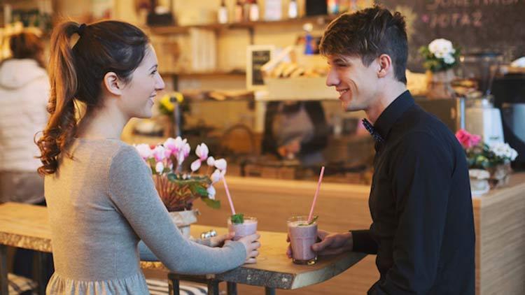En este momento estás viendo ¿Cómo vestirse para una primera cita y tener éxito?  ¡Consejos y looks!