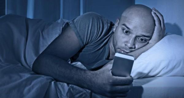 Adicto - ¿Eres adicto a tu celular? Descúbrelo con este TEST